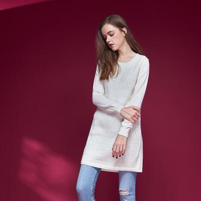 Chaber巧帛 暖時尚羊毛簡約百搭針織長袖造型上衣洋裝(兩穿)-米