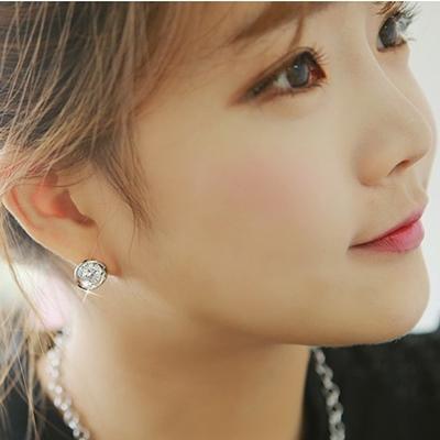 梨花HaNA 韓國簡約風采雙弧單顆美鑽耳環