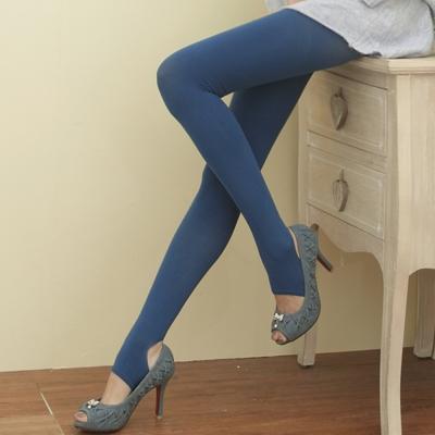 I-shi 時尚單色-雜誌必搭款踩腳襪(深藍)