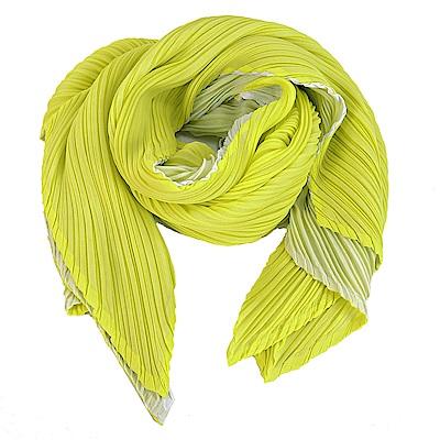 ISSEY MIYAKE三宅一生PLEATS PLEASE四褶素面斜紋O型圍巾(螢光綠)
