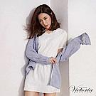 Victoria 繡標條紋中長版休閒連帽外套-女-藍白條紋布