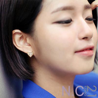 N.C21-正韓 立體鑽石造型晶鑚耳環 (金色)