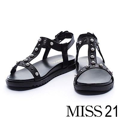 涼鞋 MISS 21 摩登個性珍珠鉚釘釦飾造型平底涼鞋-黑