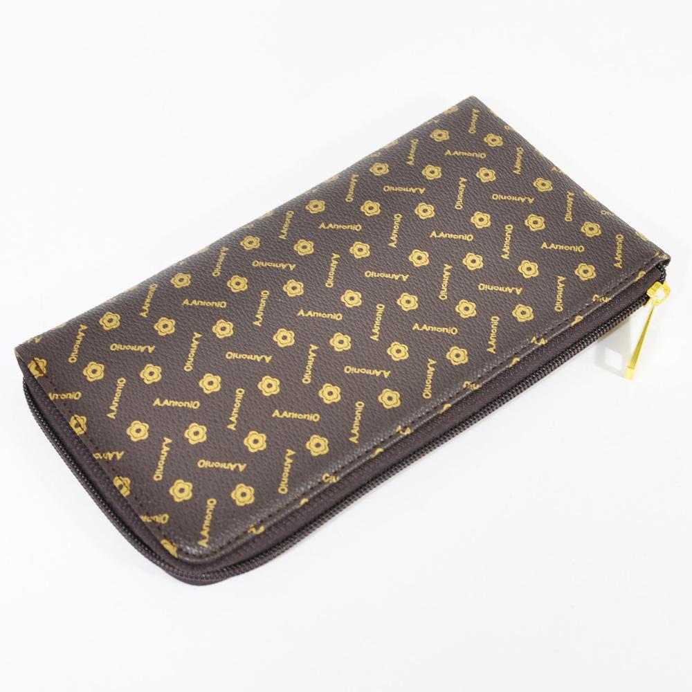 Miyo經典飾紋拉鍊護照夾
