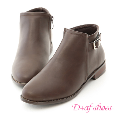 D+AF 流行時尚.簡約細釦環平底短靴*咖
