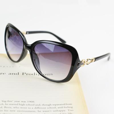 梨花HaNA 香榭優雅美型馬蹄金屬鏡架太陽眼鏡-亮黑