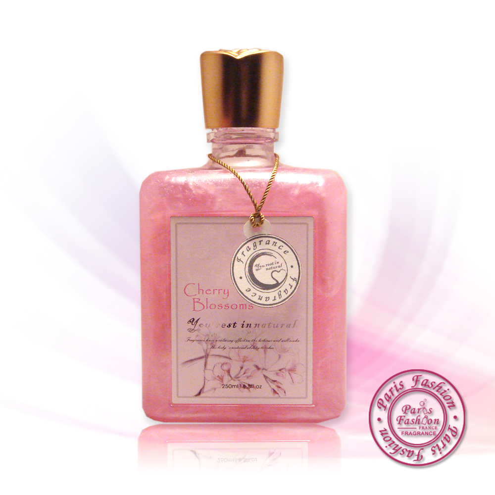《paris fragrance隨心所浴》櫻花珠光沐浴露-125ml