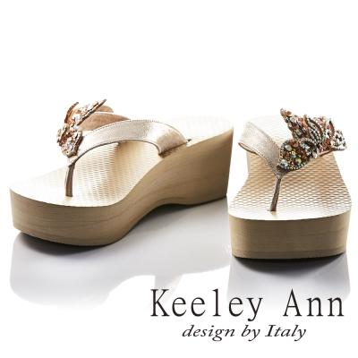 Keeley Ann 水鑽閃耀蝴蝶裝飾海灘厚底人字夾腳拖鞋(米色)