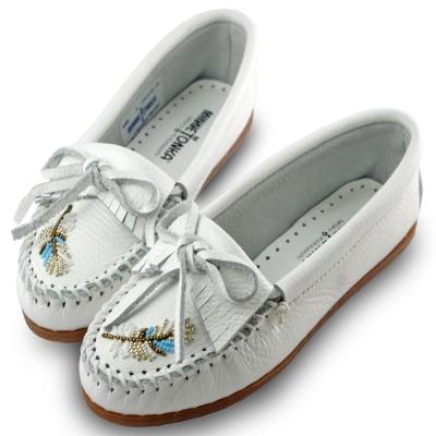 MINNETONKA X MOKO 限量款羽毛串珠鹿皮莫卡辛豆豆鞋-白色