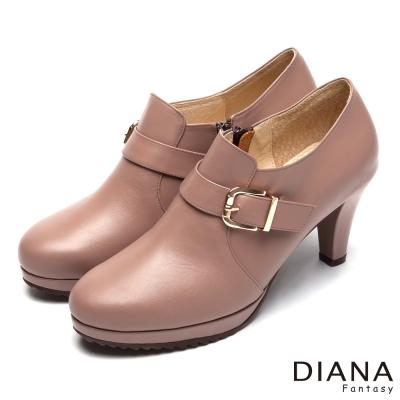 DIANA-漫步雲端厚切焦糖款-經典方釦真皮跟鞋-可可