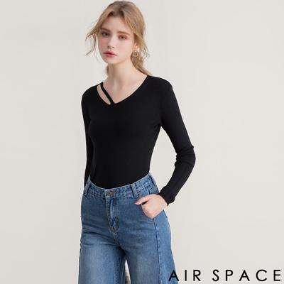 AIR SPACE 鏤空不對稱圓領針織上衣(黑)