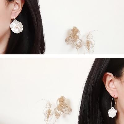 梨花HaNA 夏日麼麼人魚女孩貝殼珍珠耳環
