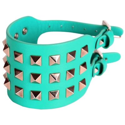 VALENTINO ROCKSTUD 鉚釘小牛皮寬版手環(綠色)