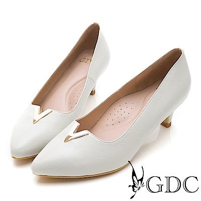 GDC-唯美V型剪裁溫柔系列尖頭跟鞋-米杏色