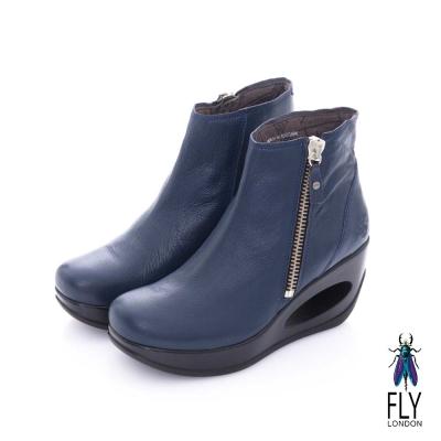 Fly London(女) 融化之冰 簍空鞋跟羊皮拉鍊短筒靴-深藍