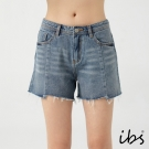 ibs個性美休風剪接抽鬚牛仔短褲-女-中藍
