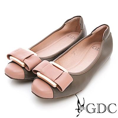 GDC-真皮時尚撞色大方扣環舒適平底包鞋-灰色