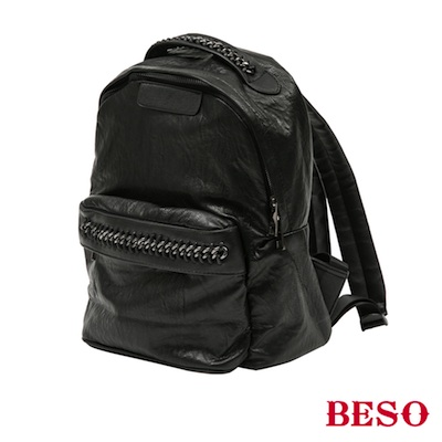 BESO 率性街頭 抓皺皮料鏈帶後背包~黑
