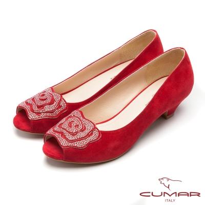 CUMAR閃耀夜宴魚口花卉貼鑽露趾低跟鞋紅