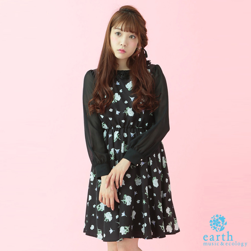 earth music 花柄收腰蕾絲領洋裝-16163H40000