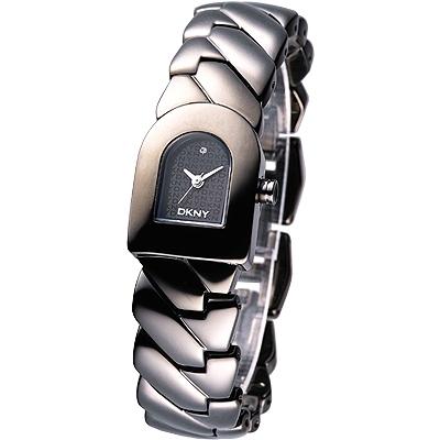 【DKNY 】經典永恆D字時尚腕錶(黑色)