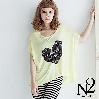 上衣 愛心文字造型寬版短袖上衣(黃) N2