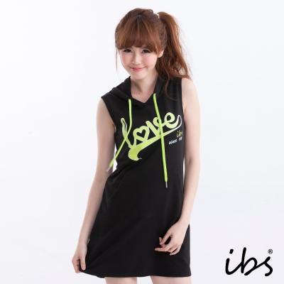 ibs-針織連帽字母印花背心棉質洋裝-黑