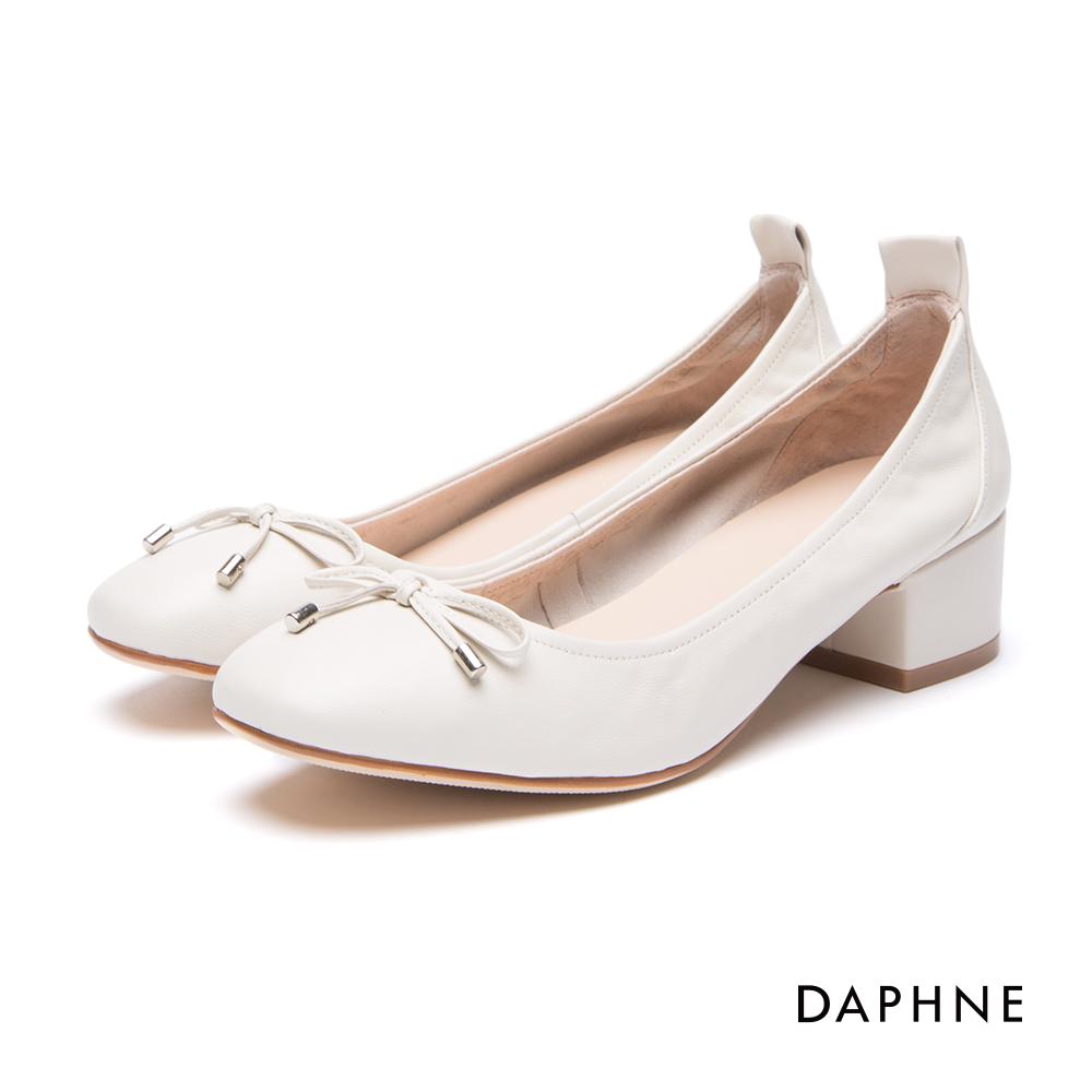 達芙妮DAPHNE 跟鞋-繫繩蝴蝶結牛皮粗高跟鞋-米白