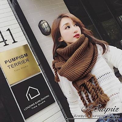 A-Surpriz 韓風辮子流蘇粗針厚織圍巾(駝咖)
