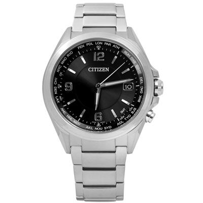 CITIZEN 時尚簡約電波光動能鈦金屬手錶(CB1070-56F)-黑色/42mm