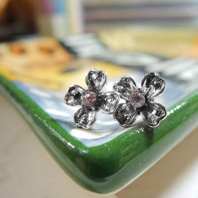 KOURIN花園系列-復古銀色丁香花耳環(粉鑽)