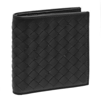 BOTTEGA VENETA 經典編織小羊皮直立式摺疊短夾(黑色-6卡)