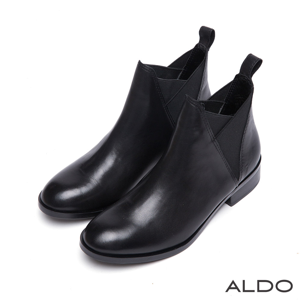 ALDO 率真個性原色真皮V字拼接粗跟短靴~尊爵黑色