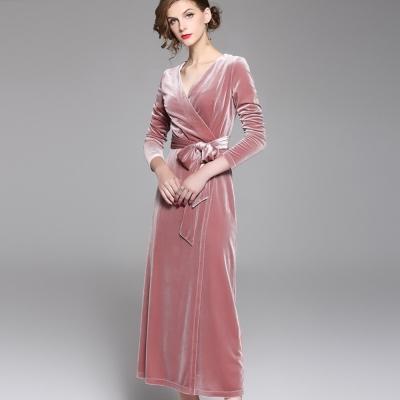 a la mode 艾拉摩兒 藕粉紅V領七分綁帶星光絨布長洋裝(S-2XL)