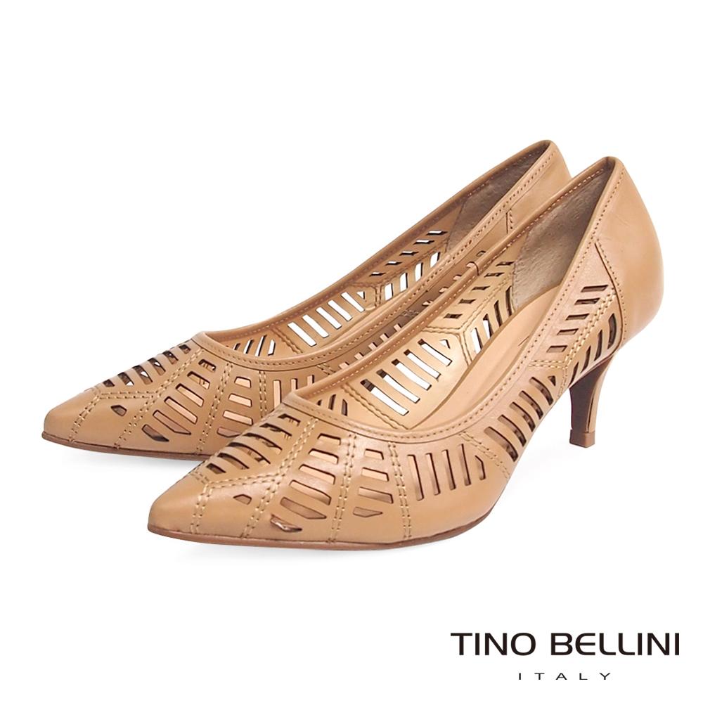Tino Bellini 巴西進口雋永品味鏤空線條跟鞋 _駝