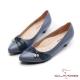 CUMAR優雅拼接精緻異材質小飾釦裝飾粗跟低跟鞋藍