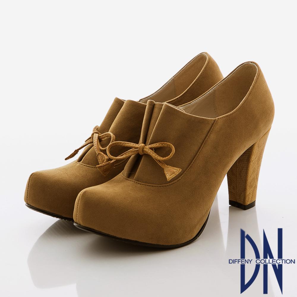 DN 優質美型 率性簡約蝴蝶絨布粗跟裸靴 駝