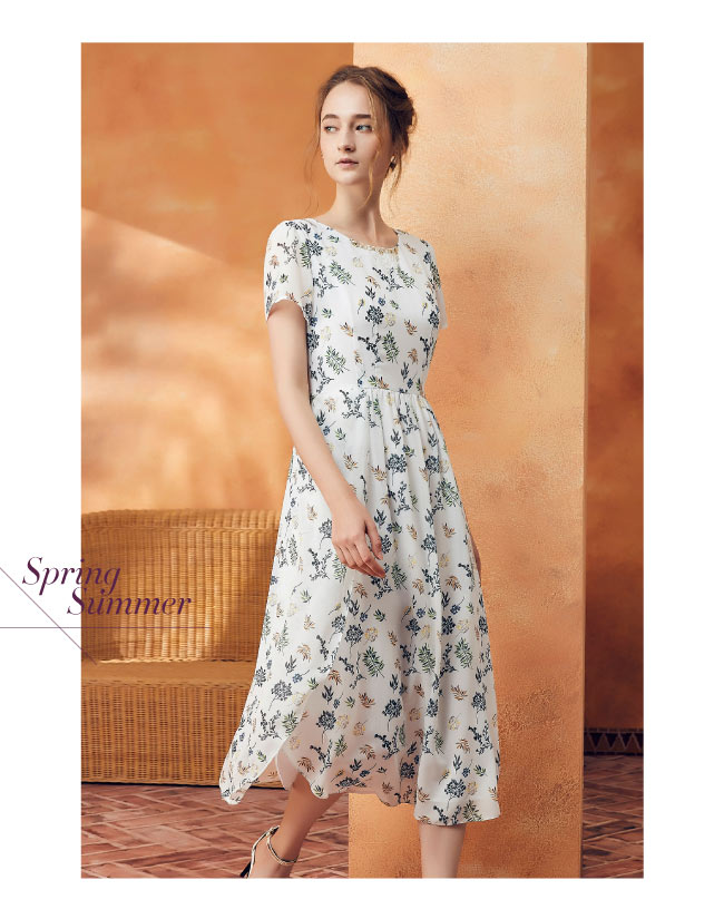 ILEY伊蕾 自然花草長版印花洋裝(白)