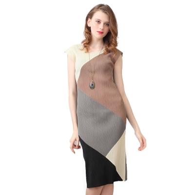 簡約灰色圓領無袖壓摺洋裝-玩美衣櫃