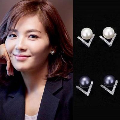 梨花HaNA 無耳洞韓版V水鑽美人珍珠點飾耳環夾式