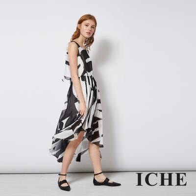 ICHE 衣哲 飄逸輕時尚紡紗拼接黑白印花長洋裝