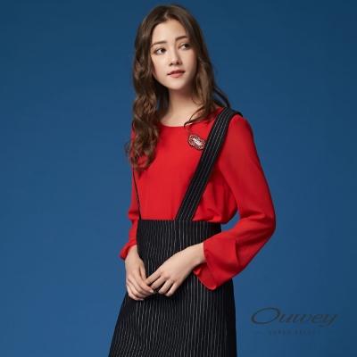 OUWEY歐薇 時尚紅唇別飾雪紡上衣(紅)