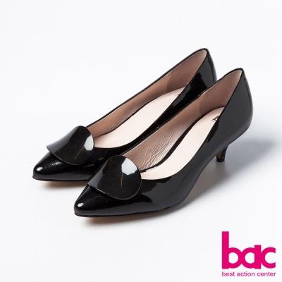 bac成熟簡約尖頭單片扣亮面短跟鞋黑