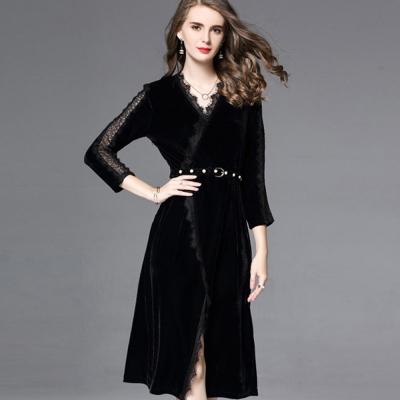 a la mode 艾拉摩兒 花邊V領鏤空黑絨珍珠皮帶洋裝(S-2XL)
