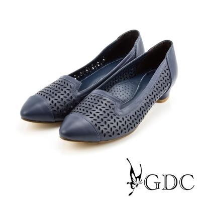 GDC-都會時尚優雅沖孔造型真皮尖頭低跟鞋-灰藍色