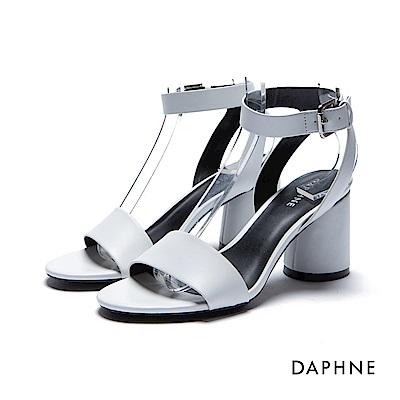 達芙妮DAPHNE 涼鞋-簡約扣踝圓柱粗高跟一字涼鞋-白