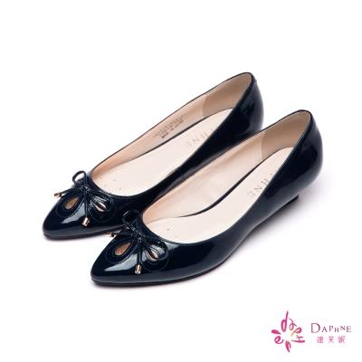 達芙妮DAPHNE-輕盈淑女蝴蝶結尖頭低跟鞋-個性深藍