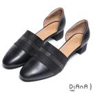 DIANA 時尚風範--簡約優雅拼接條紋尖頭跟鞋-黑
