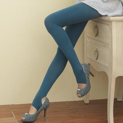 I-shi 時尚單色-雜誌必搭款踩腳襪(土耳其藍)