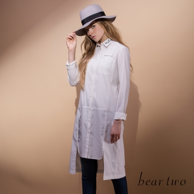 bear-two-不規則剪裁刺繡印花造型長版襯衫-二色